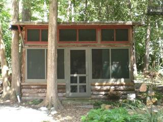 Cozy Lake Champlain Retreat