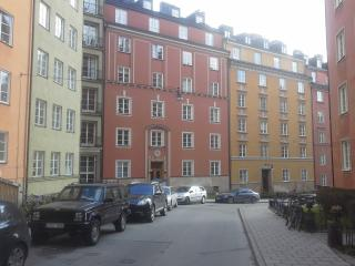 Familia Benitez, Estocolmo