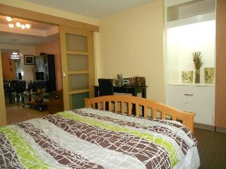 Comfy 1 Bedroom Apt. with Kitchen, Quezon City
