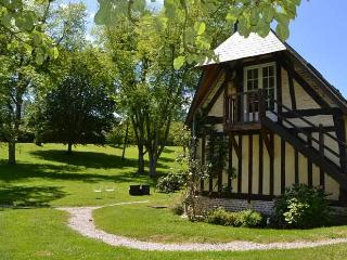 CHARMING NORMANDY COTTAGE 2 PERSONS with jaccuzzi