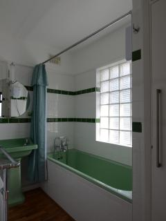 BATHROOM - with original green Twyfords bathroom suite