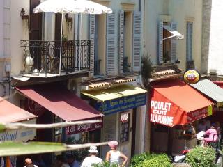 Fab location balcony overlooks Provencal Market