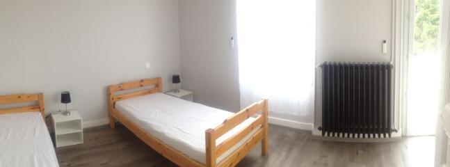1 autre chambre avec deux lits simples