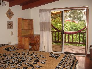 Tierra Magica B&B and Art Studio - Sol Room, Escazú