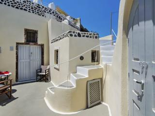 Boutique Luxury Hotel Honeymoon Suite 1044, Oia