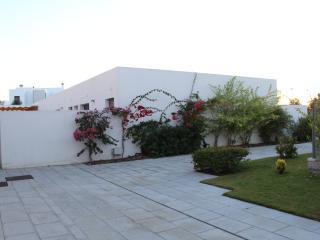 Apartamento  con piscina y garaje