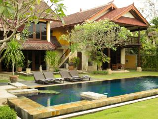 3 Bedroom Rumah Bali a little piece of paradise - 1