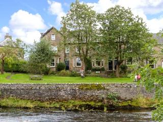 GILCHRIST HOUSE, quality cottage by river, games room, open fires in Settle Ref