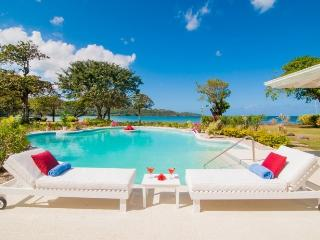 Noble House - 5 bedrooms - Private Beach, Discovery Bay
