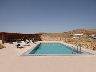 Niobe-Luxury Villa with pool in Mykonos, Elia