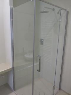 doccia con soffione ad ampio gettito