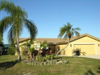 Furnished Luxury Waterfront Vacation Rental, Palmetto