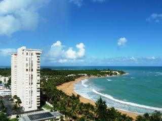Beach Front Apartment Direct Access to the Beach, Luquillo