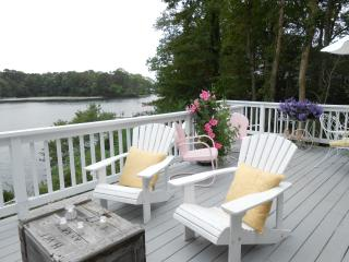Charming Waterfront Lake House on Cape Cod, Centerville