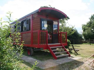 Romantic Gypsy Caravan nearby Thatched Stud Farm