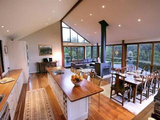 """Newhaven"" - An amazing country home., Kangaroo Valley"