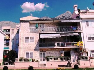 Apartment house OLGA(1999-5253), Makarska