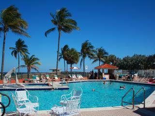 Ocean View Studio, Beach, Boardwalk, free WiFi, Hollywood