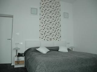 HOTEL VALA - Uvala Slana(2212-5775), Selce