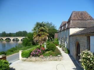 CHAMBRE ARMANSE SUITE FAMILIALE POUR 4 A 5, Saint-Cyprien
