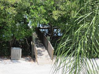Bayview Villa at Palm Island Resort with All Resort Amenities, Cape Haze
