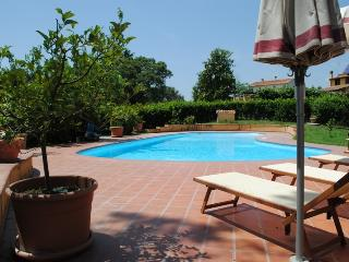 L'Antica Quercia - villa con piscina