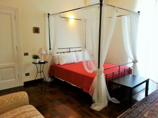 ROME CENTRE CHARMING APARTMENT UP TO 6, Roma
