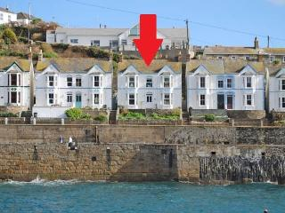 14 Bay View - (Porthleven)