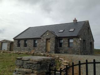 94402 - Cottage 118 - Cleggan