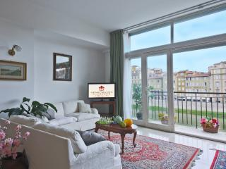 Vacation Rentals at Ponte Vecchio Terrace in Florence, Florencia