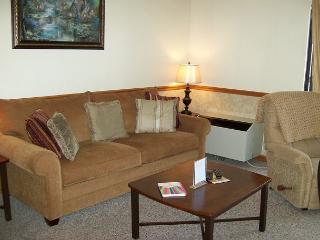 One Bedroom Condo in Downtown Gatlinburg (Unit 503)