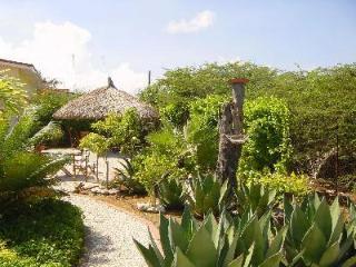Villa Kashu central courtyard quiet country views, economical choice