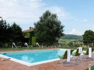 Tuscany/Umbria farmhouse, Private pool, wifi & A/C, Fabro