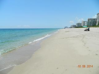 Spectacular 5 STAR Condo on the beach near Fort Lauderdale!!!