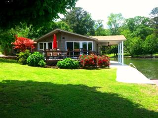 Vacation rental home on Wilson Lake in Florence AL