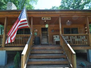 Custom 3br Cabin on 200+ Acre Property, Clyde