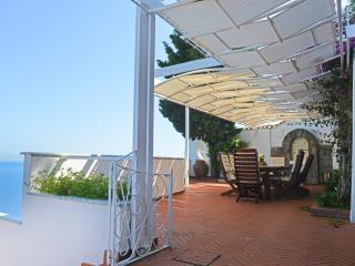 Luxury Villa on the Amalfi Coast with Pool and Sea Views - Villa Magestica