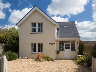 Nonsuch Cottage Bembridge, Close To The Beach And A Great Location For Holidays