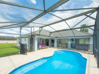 Family Villa - South Facing Private Pool & HOT TUB, Davenport