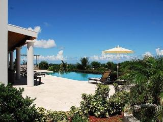 Belle Vue: 4 Bedroom Amazing 180° views of Orient Bay | Island Properties