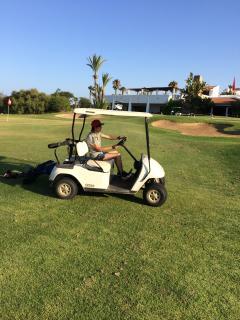le golf royal de cabo negro (18 trous) ; Royal Cabo negro 18 holes golf (1km).