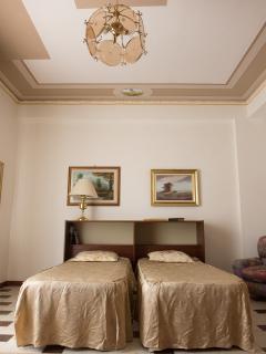 stanza letto matrimoniale
