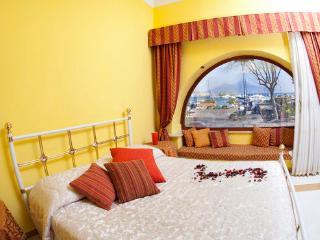 Appartamento panoramico sul lungo mare di Napoli, Nápoles