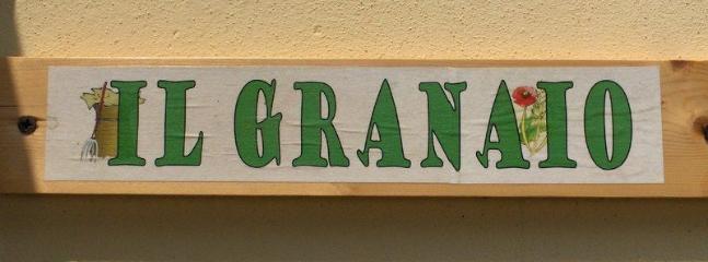 Appartamento Il Granaio: cucina, bagno, camera matrimoniale, camera doppia, patio esterno, giardino