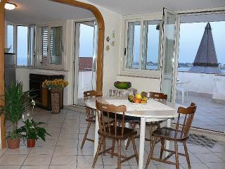 casa  mare vista etna 5 km da Taormina, Giardini-Naxos