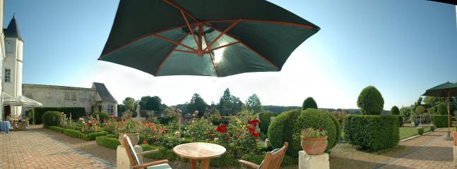 180° view on the topiaries, yews and boxwoods, and overlooking the valley