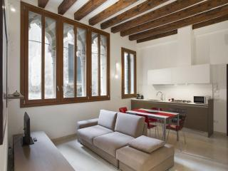 Renovated vintage apartment in the heart of Rialto, Venecia
