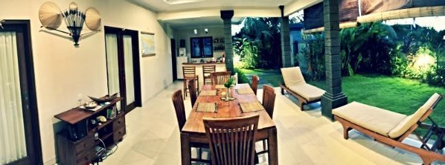 Open living and dining area in CHilli Villa