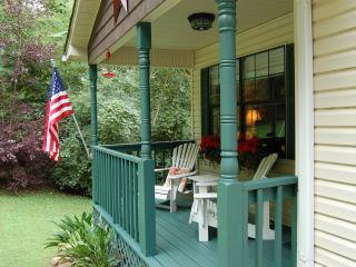 Ridgecrest Cottage - 10 minutes from downtown!, Chattanooga