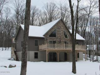 Pocono House in Safe Gated Community, Ferry Dingmans
